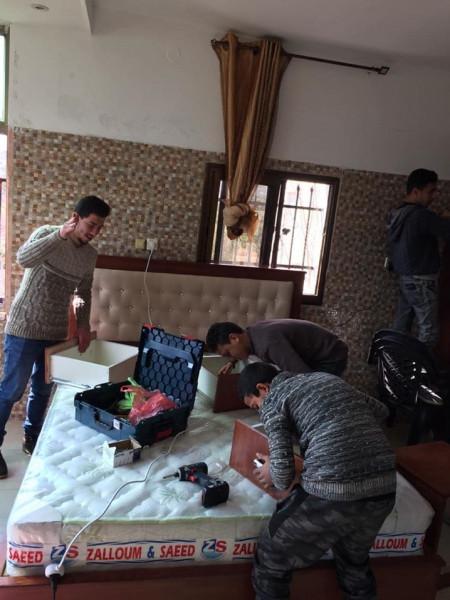 بمبادرة من مركز الشيخة فاطمة.. تسليم غرفة نوم لعروسين من ذوي الاعاقة