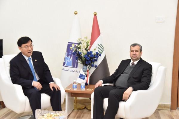 رئيس مجلس المفوضين يستقبل سفير كوريا الجنوبية