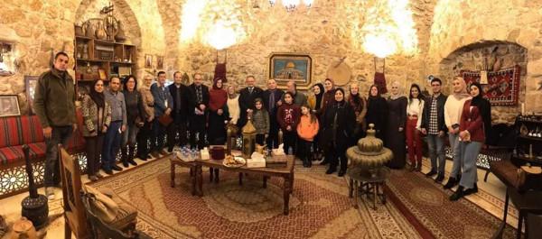 """ملتقى سفراء فلسطين يطلق برنامج """"السفير الشاب"""""""