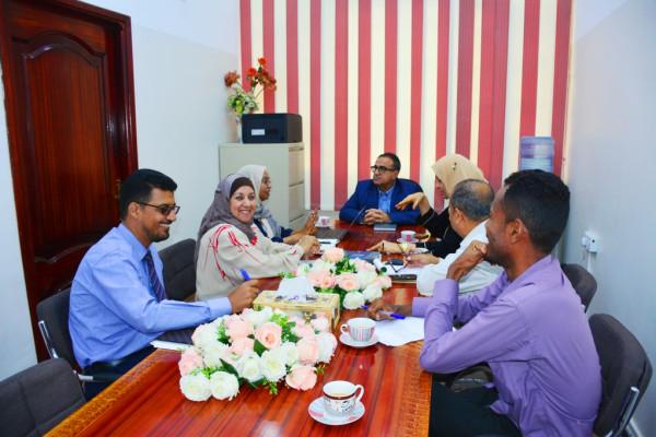رئيس جامعة عدن يلتقى بمدير منظمة الصحة العالمية