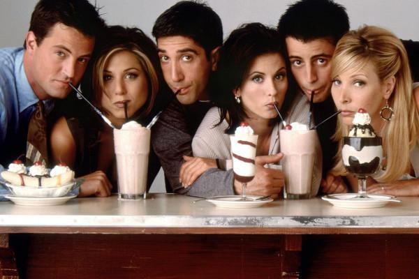 بعد غياب 16 عامًا.. عودة مسلسل Friends رسمياً في هذا التاريخ