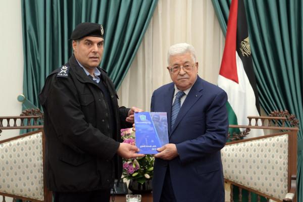 الرئيس عباس يُشدد على أهمية العمل الجاد بتطبيق سيادة القانون