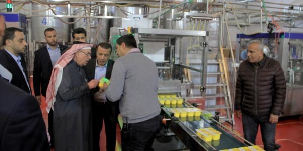 صور: العمادي يتفقد عدداً من الشركات والمصانع المحلية بالمنطقة الصناعية بغزة