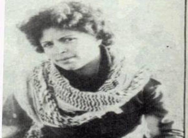 صورة خاطئة لـ(دلال المغربي) بكتاب اللغة العربية تُشعل الأجواء..التعليم تؤكد أنها مُعدلة وشقيقتها تنفي