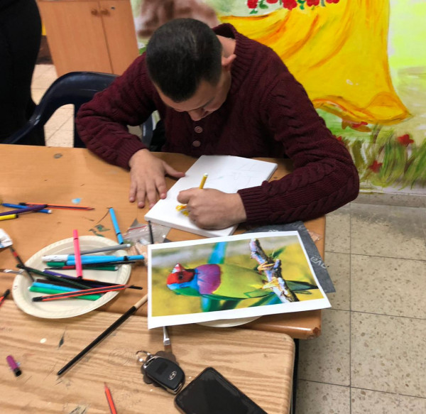 إقامة سلسلة ورشات ممتعة في قاعة مركز دير حنا الجماهيري