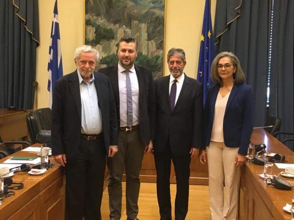 طوباسي يجتمع بأعضاء من  لحنة الصداقة مع فلسطين بالبرلمان اليوناني