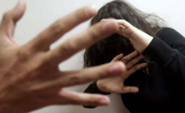 مصري يقتل زوجته بعد ضبطها بوضع مخل مع والده