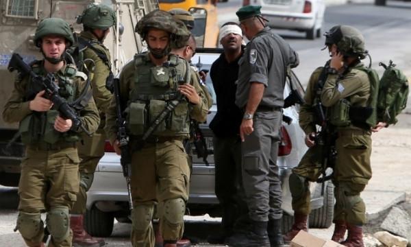 الاحتلال يعتقل فلسطينيين من أنحاء متفرقة بالضفة الغربية