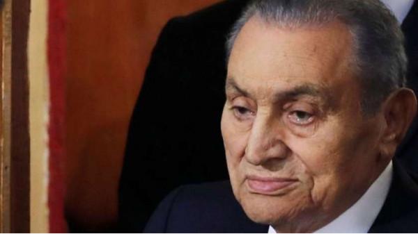 إعلاميون وفنانون ورياضيون وسياسيون ينعون الرئيس الأسبق محمد حسني مبارك