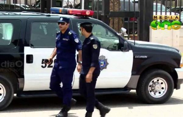 """""""عينة بول"""" تطيح بمستقبل شرطي كويتي.. هذا ما كشفته كاميرات المراقبة"""