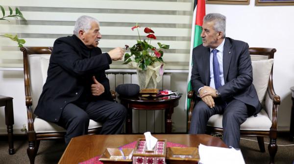 وزير الحكم الحلي يلتقي محافظ طوباس ويبحث معه احتياجات المحافظة