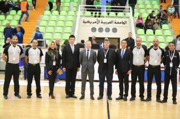 دعنا: حكام الطاولة الدوليون الفلسطينيون بكرة السلة نجحوا بإدارة لقاء فلسطين وسيريلانكا