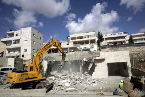 قوات الاحتلال تهدم منزلاً في قرية الولجة شمال غرب بيت لحم