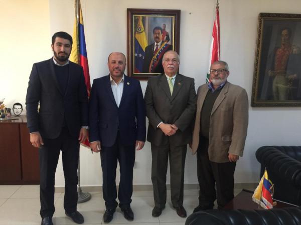 حماس تبحث مع السفير الفنزويلي مستجدات القضية الفلسطينية وأوضاع الفلسطينيين بلبنان