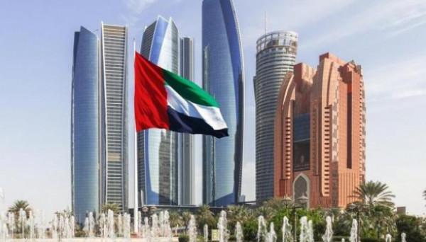 الإمارات تفرض قيوداً على سفر المعتمرين والسياح للسعودية