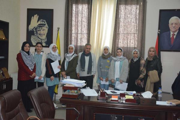 شبيبة ثانوية قلقيلية تنظم زيارة لامين سر حركة فتح