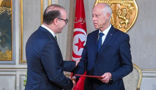 رئيس الحكومة التونسية الجديد يتسلم مهامه رسميًا