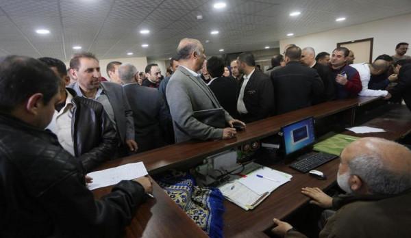 شاهد: وزارات حكومية تُحدد طبيعة الدوام خلال فترة الطوارئ بالضفة الغربية
