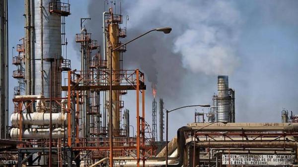 خسر ما يقترب من الثلث.. النفط في أدنى مستوياته منذ أربع سنوات