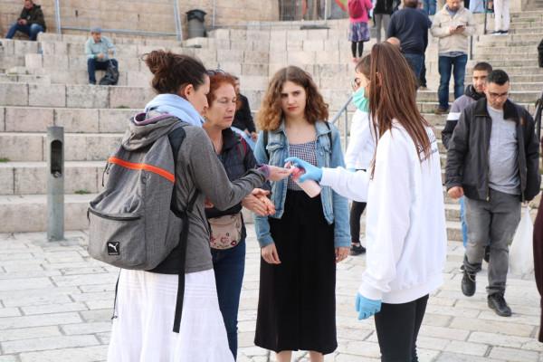 """التجمع الوطني المسيحي يطلق حملة """"وقاية من فيروس كورونا"""" في القدس"""