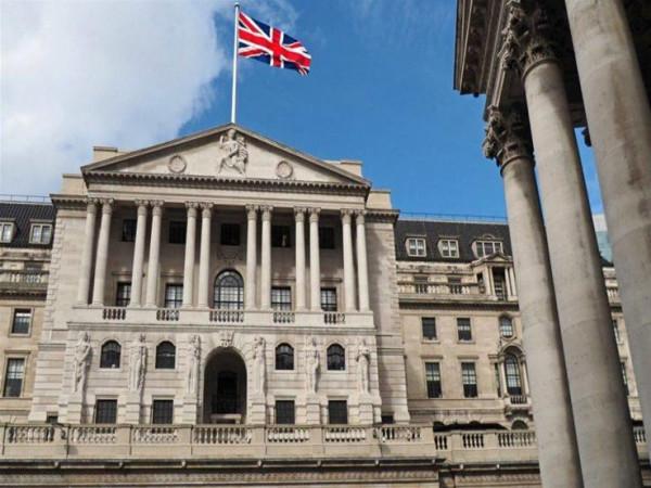 """صدمة """"كورونا"""".. لماذا خفضت إنجلترا الفائدة لأول مرة منذ 2016؟"""