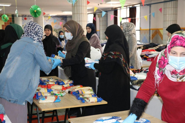 المبرّات توزع مساعدات عينية وحصص غذائية