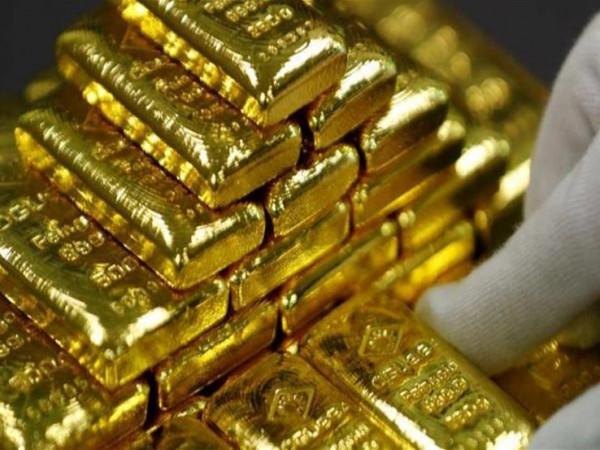 الذهب العالمي يصعد بعد تسهيلات المركزي الأمريكي للإئتمان المباشر