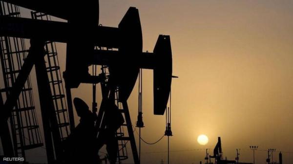 النفط يهبط للأسبوع الرابع.. وأشد خسارة للخام الأميركي