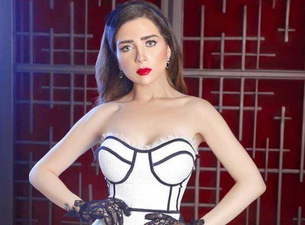 """صناع ست مسلسلات أعلنوا وقف التصوير بسبب كورونا و""""مي عز الدين""""المتضرر الأكبر"""