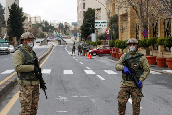 وزير أردني: 99% من المواطنين ملتزمون بقرار حظر التجول