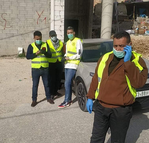 """حركة فتح في """"الفوار"""" تضبط مداخل المخيم للحد من التنقل"""