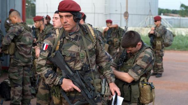 الرئيس الفرنسي يأمر الجيش بالتحرك لكبح جماح (كورونا)