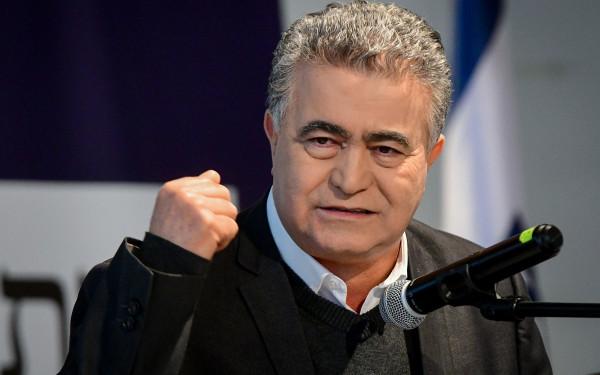 بقرار قضائي.. عمير بيرتس رئيساً مؤقتاً لـ (كنيست) بديلاً لإدلشتاين
