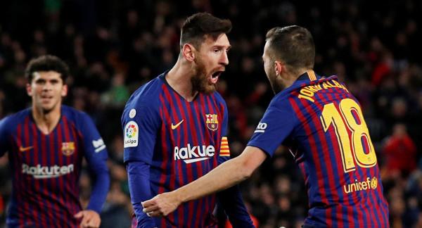 بينهم ميسي.. (كورونا) يتسبب بخفض رواتب لاعبي برشلونة