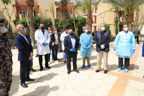 الطويسي خلال جولة تفقدية في العقبة: صحة المواطن أولوية