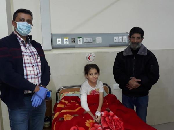 طاقم كلوب الطبي ينجح في إزالة انتفاخ شرياني منفجر ونازف من يد طفلة