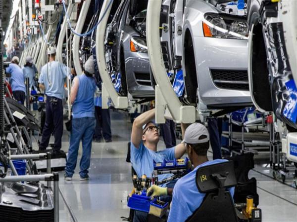 مع تفشي (كورونا).. قطاع السيارات الصيني يواجه مشكلة جديدة