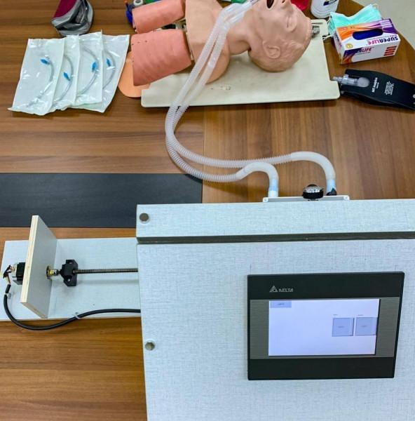 """""""جامعة القدس"""" تُعلن نجاحها بإنتاج جهاز تنفس طبي قابل للتصنيع محليًا"""