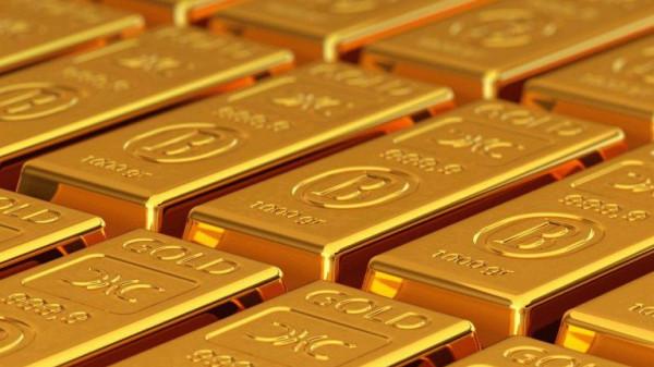 أسعار الذهب تراوح مكانها وارتفاع الدولار يكبح المكاسب