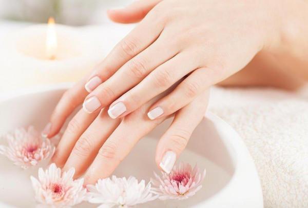 أقوى خلطة لتبييض اليدين قبل زفافك في الصيف