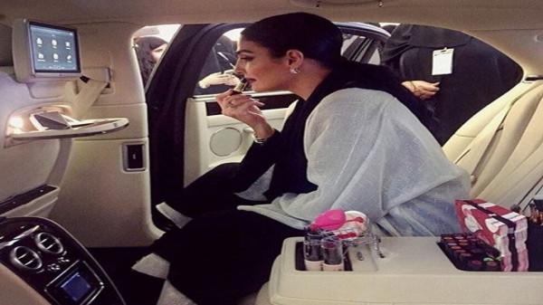 ابنة رجل أعمال سعودي مشهور تُرعب الأمهات بهذا التصرف الغريب.. ومُطالبات بردعها
