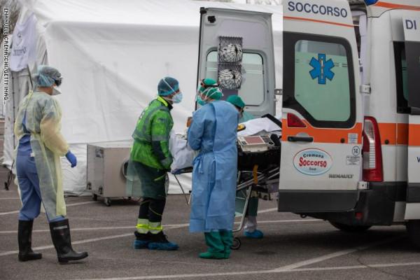 إيطاليا تسجل انخفاضاً في عدد الإصابات الجديدة بفيروس (كورونا)