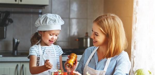 أنشئي لطفلك نظاماً غذائياً يعزّز مناعته ويحميه من (كورونا)