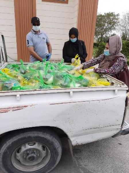 العمل توزِّع أكثر من 100 سلة غذائية بعدد من مناطق بغداد