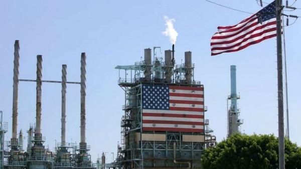 وزارة الطاقة الأمريكية تتوقع انخفاض إنتاجها من النفط بحوالي مليوني برميل يومياً