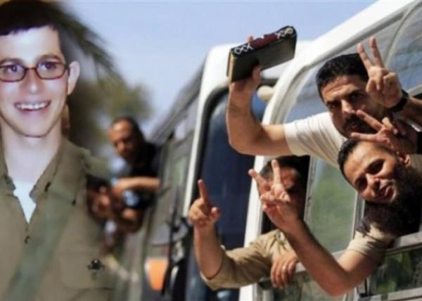 """الاحتلال يُفرج عن أحد محرري صفقة """"وفاء الأحرار"""" المُعاد اعتقالهم"""