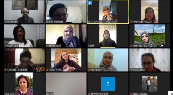 """""""إعلام"""" يطلق مشروع المناظرة والخطابة للنساء والمعلّمات- دورة عام 2020"""