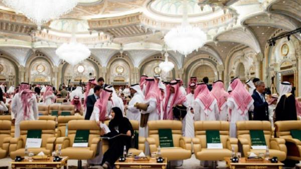 أمير سعودي يرد على خبر وجود إصابات بفيروس (كورونا) داخل العائلة الحاكمة