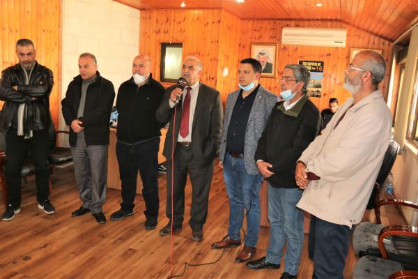 محافظ القدس يعطي تعليماته بالتعامل مع طلبات تلقتها المنصة الالكترونية بمنطقة بيتونيا