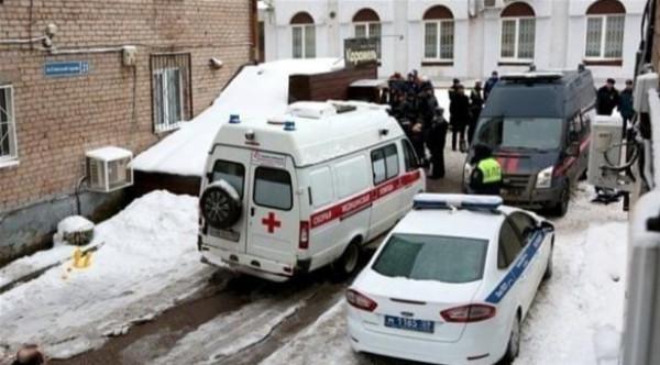 """الحجر المنزلي.. روسي يقتل خمسة أشخاص بسبب """"صوتهم العالي"""""""